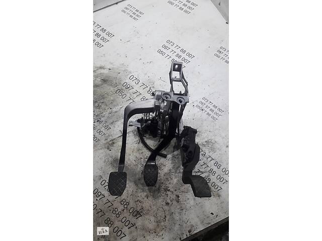 Педальный узел Skoda Superb 8D1721117P- объявление о продаже  в Чернигове
