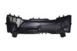 б/у Пластик под лобовое стекло Mercedes E-Class