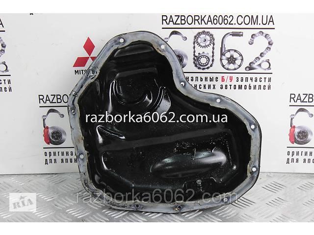 купить бу Поддон мотора нижняя часть 2.5 Hybrid Toyota RAV-4 IV 12-18 ()  1210136050 в Киеве