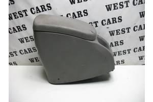 б/в Внутрішні компоненти кузова Renault Kangoo