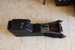 б/у Центральные консоли Mercedes B-Class