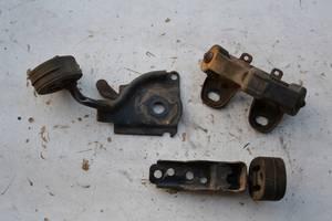 Подушка глушителя / хомут глушителя для Volkswagen Caddy