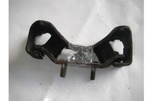 Подушка КПП задняя мех.2.0 Subaru Legacy (BL) 03-09 (Субару Легаси БЛ)