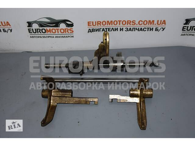 купить бу Ползун вилки КПП комплект 1-2-3-4-5-зад передач Ford Transit 2.4t в Киеве