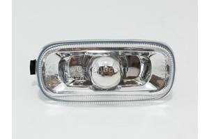 Поворотники/повторители поворота Audi A4