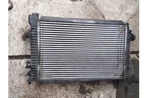 б/в радіатори интеркуллера Volkswagen Caddy
