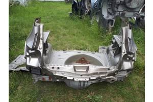 чверті автомобіля Renault Sandero