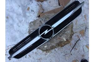 б/у Решётки радиатора Opel Vectra C
