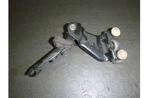 б/у Ролики боковой двери Volkswagen Caddy