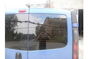 б/в скло двері Renault Trafic