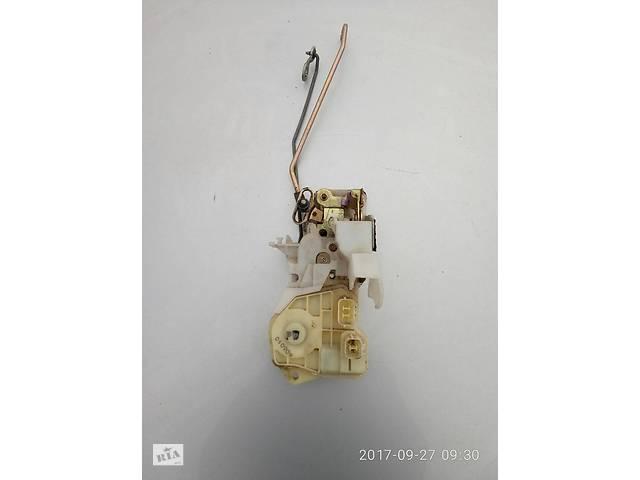 бу Замок перед. правой двери Honda CR-V 02-06 в Харькове
