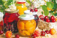 Консервовані фрукти та ягоди