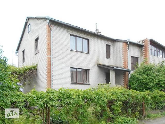 купить бу Дом жилой 2000 г.п. г. Брест. Кирпич / аллюминиевый профиль. 3 уровня: цоколь + 2 этажа. r160837 в Бресте