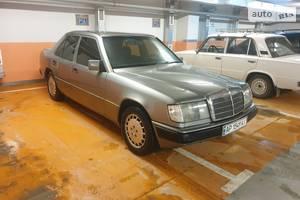Mercedes-Benz E 260  1992
