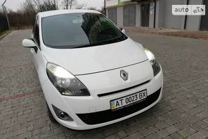 Renault Grand Scenic Avtomat nova korobka 2011