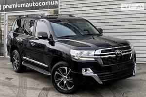 Toyota Land Cruiser 200  2017
