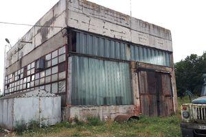 Куплю комерційну нерухомість в Локачах без посередників