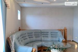 Продается дом на 2 этажа 347 кв. м с бассейном