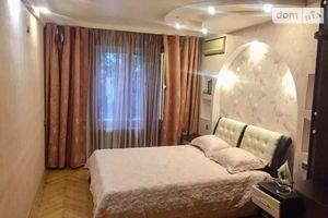Зніму двокімнатну квартиру на Перемоги Київ помісячно