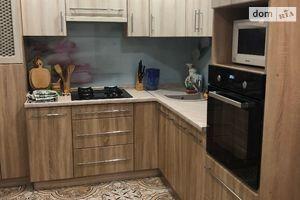 Сниму трехкомнатную квартиру в Киево-Святошинске долгосрочно