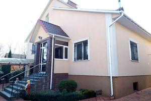 Продається будинок 2 поверховий 250 кв. м з каміном