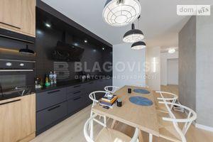 Продается 2-комнатная квартира 80 кв. м в Киеве