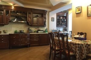 Продається 5-кімнатна квартира 248 кв. м у Вінниці