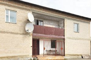Продається будинок 2 поверховий 400 кв. м з ділянкою