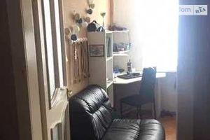Продается 4-комнатная квартира 64 кв. м в Полтаве
