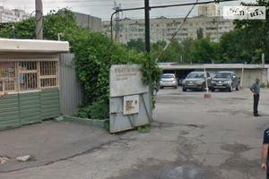 Сдается в аренду бокс в гаражном комплексе под легковое авто на 20 кв. м