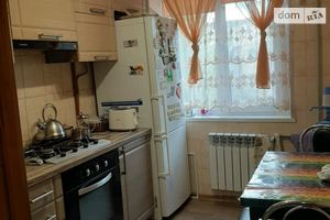 Продается 2-комнатная квартира 44 кв. м в Мариуполе