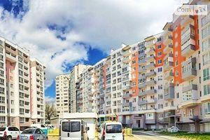 Продається 2-кімнатна квартира 83.6 кв. м у Чернігові