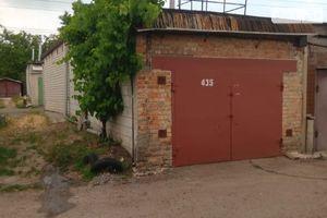 Продається бокс в гаражному комплексі під легкове авто на 23 кв. м
