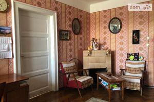 Продается 3-комнатная квартира 120 кв. м в Ужгороде