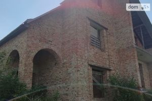 Продается одноэтажный дом 300 кв. м с мансардой