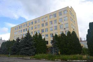 Сдается в аренду помещение (часть здания) 100 кв. м в 6-этажном здании