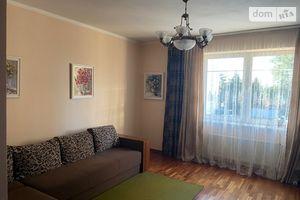 Продається 2-кімнатна квартира 73 кв. м у Ужгороді