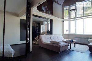 Продается 1-комнатная квартира 52.5 кв. м в Чернигове