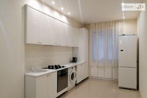 Сдается в аренду 1-комнатная квартира 74 кв. м в Тернополе