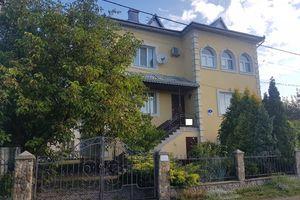 Продается дом на 3 этажа 300 кв. м с беседкой
