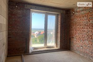 Продается 2-комнатная квартира 76.07 кв. м в Ужгороде