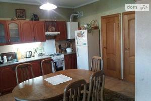 Продается дом на 2 этажа 206 кв. м с садом