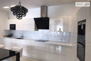 Сдается в аренду 3-комнатная квартира 130 кв. м в Одессе