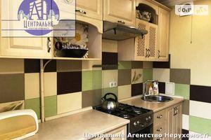 Продается 3-комнатная квартира 66.4 кв. м в Черновцах