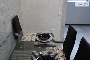 Сдается в аренду 2-комнатная квартира 70 кв. м в Дрогобыче