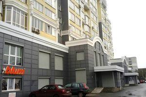 Здається в оренду нежитлове приміщення в житловому будинку 231.4 кв. м в 10-поверховій будівлі