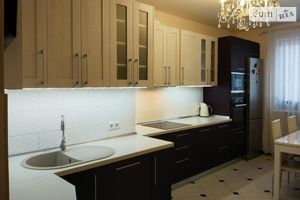 Продається 3-кімнатна квартира 125 кв. м у Києві