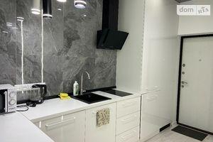 Продається 2-кімнатна квартира 44 кв. м у Львові