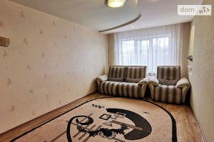 Продается 3-комнатная квартира 63 кв. м в Ровно