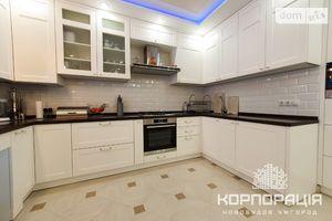 Продается 2-комнатная квартира 60.7 кв. м в Ужгороде